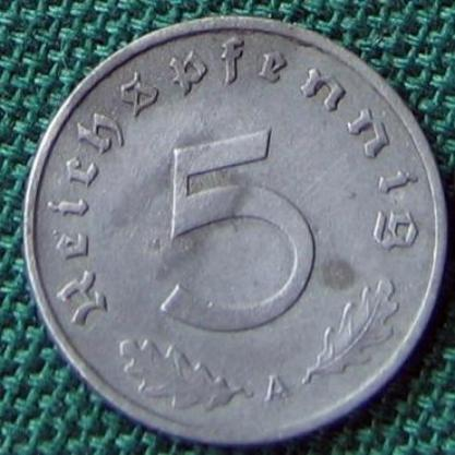 German Third Reich 5 reichspfennig zinc coin with swastika mint mark